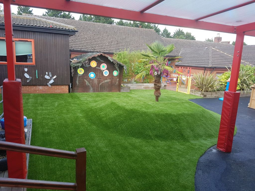 Artificial grass for schools and nurseries | Bedford Bedfordshire