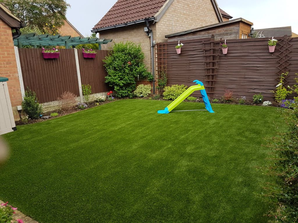 Child friendly artificial grass Bedford