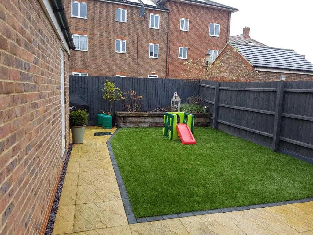 Child friendly artificial grass installation Bedford | Bedfordshire
