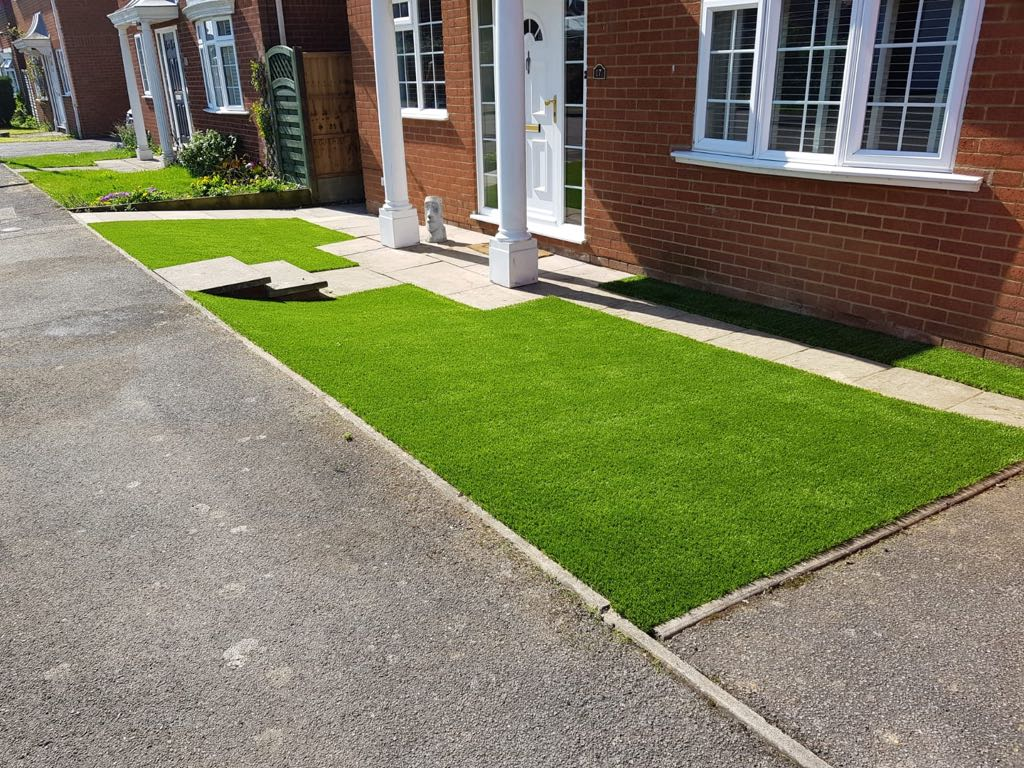 Artificial grass front garden Cranfield